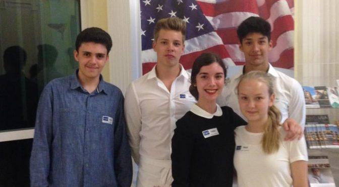 JBG-Schüler kellnern für den guten Zweck