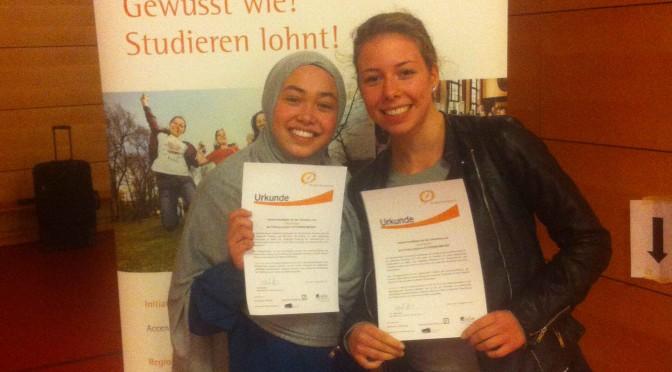 Erneuter Erfolg: Drei Schülerinnen des JBGs bekommen ein Stipendium