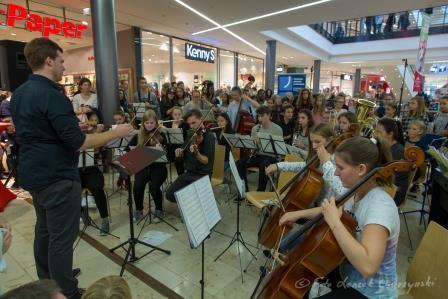 Großer musikalischer Auftritt des JBG in der Marktplatzgalerie Bramfeld
