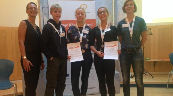 5 JBG-SchülerInnen erhalten das Studienkompass-Stipendium